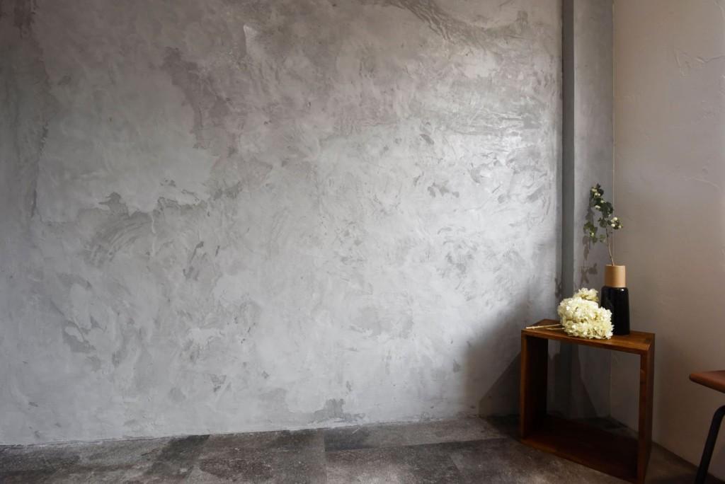 モルタル壁の撮影スペース