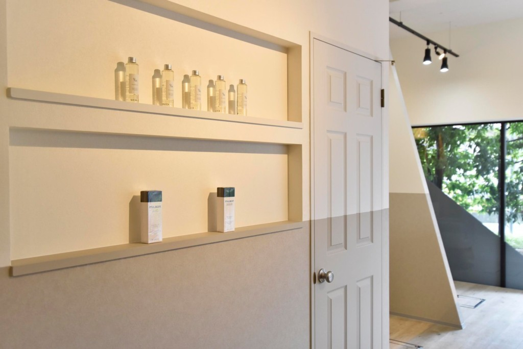 シンプルだがこだわりの詰まった美容室