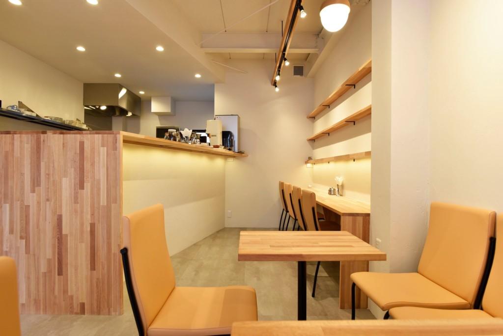 木の温もり、店主の想いが詰まったデザイン