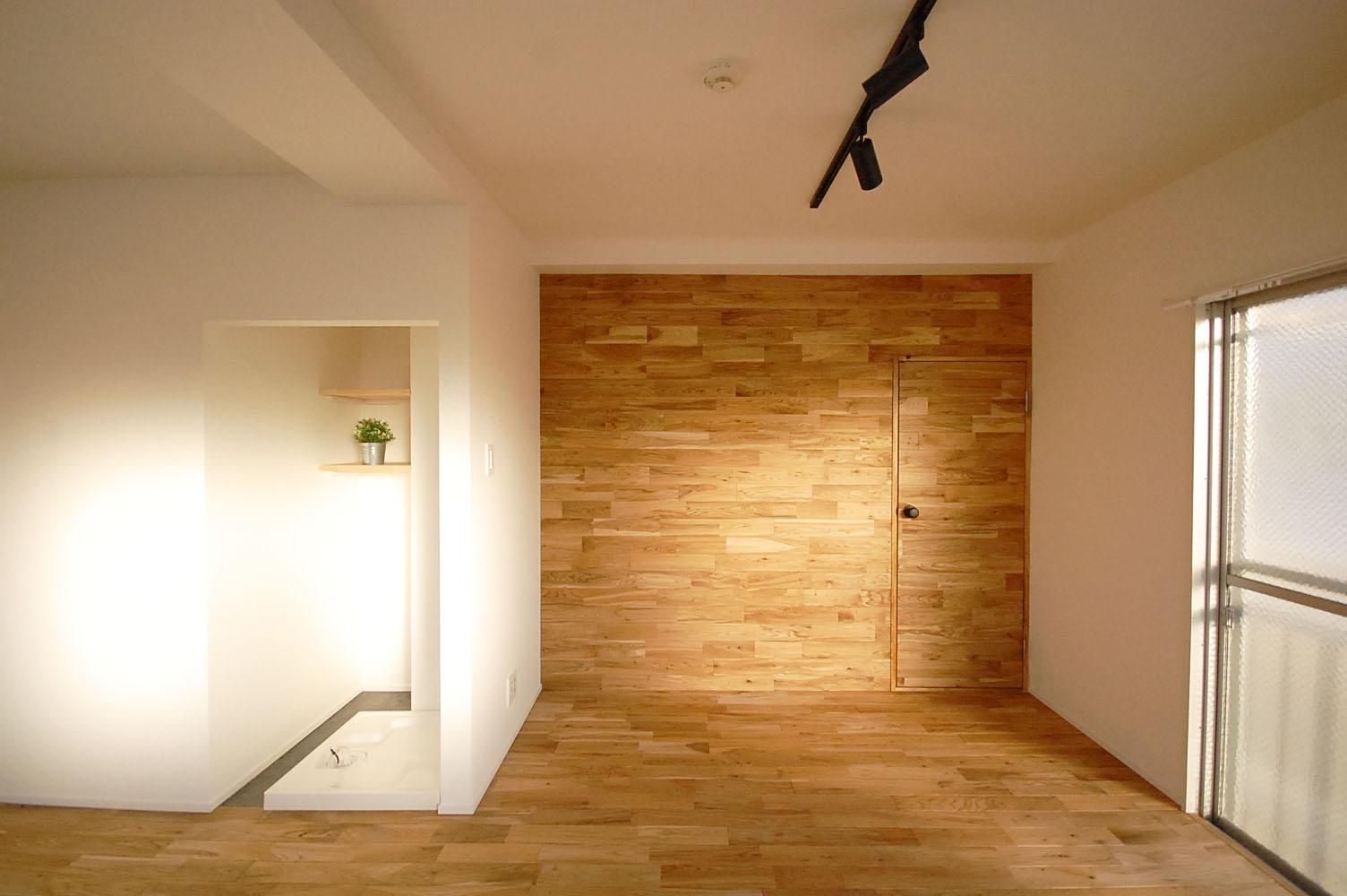 オーク材の壁